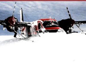 Antarktika'da uçak kar fırtınasında kayboldu