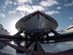 Güneş enerjisi ile çalışan gemi