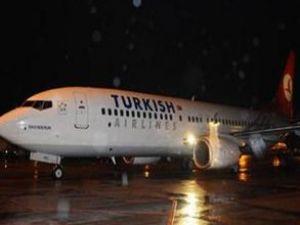 İstanbul-İzmir uçağına yıldırım düştü
