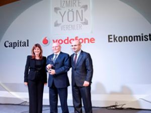 İzmir'e yön verenler törende ödülünü aldı