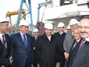 Bakan Ergün, TÜBİTAK gemisini inceledi