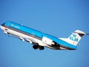 KLM uçağı Amsterdam'a zorunlu iniş yaptı