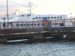 Kaza yapan deniz otobüsü bakıma alındı