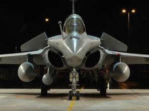 Hollande uçak satmak için Hindistan'da