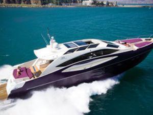 Fuarın en pahalı teknesi ilk gün satıldı