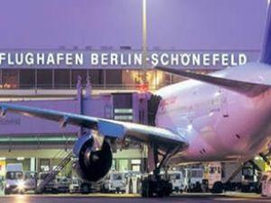 Berlin Schönefeld Havaalanı kapatıldı