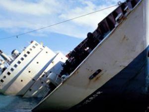 Filipinler'de kömür yüklü gemi battı