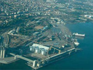 Limanda kriz geçiren kılavuz kaptan öldü