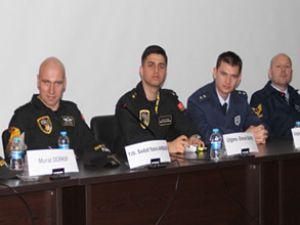 Solotürk pilotları THK öğrencileriyle buluştu