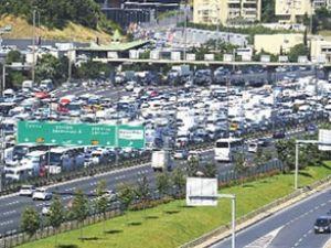 Araç kaydı sayısı bir ayda % 137 arttı