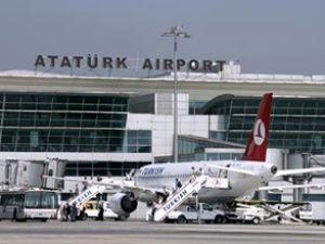 Atatürk Havalimanı'nda bıçaklı kavga