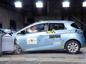Renault ZOE testlerden 5 yıldız kazandı
