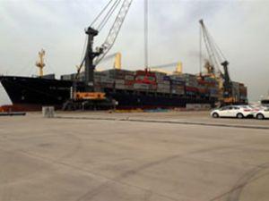 Limakport ilk konteyner gemisini karşıladı