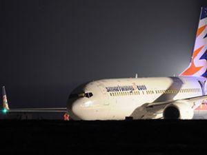 Katowice'da yolcu uçağı pistten çıktı