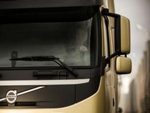 Volvo FM için yollarda 'Paparazzi' rekabeti