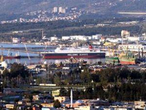 450 TIR şoförü gemide mahsur kaldı