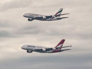 Emirates ile Qantas uçuşlarını başlattı