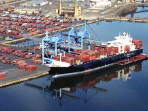 İzmir'e 4 konteyner stoklama aracı alındı
