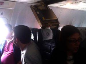 Türk Hava Yolları uçağında panel çöktü