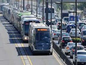 Yarın tüm metrobüs seferleri iptal edildi