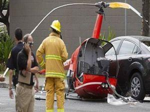Havaii'de helikopter caddeye düştü