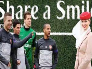 Emirates'in konukları Arsenal'li futbolcular