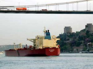Boğazlardan 4 ayda 30 bin gemi geçti