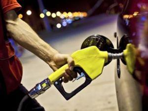 Benzin fiyatlarına bugün yine zam geldi