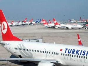 Türk Hava Yolları uçağına araç çarptı
