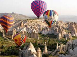 Kapadokya'da balon pilotluğuna büyük ilgi