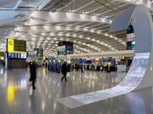 Londra Heathrow Havaalanı kapatıldı