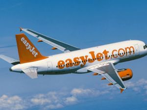 easyJet uçuş ekibi stilini değiştirdi