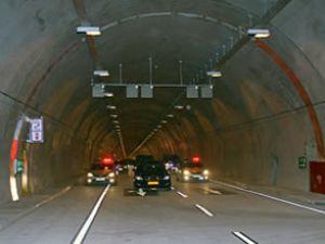 Bomonti tüneli bu sabah trafiğe kapatıldı