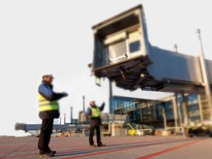 Havalimanı projesi her ay zarar ediyor