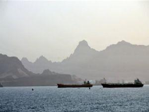 Yemen'de yine silah yüklü gemi yakalandı