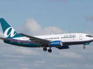 100 öğrenciyi  AirTran uçağından attılar