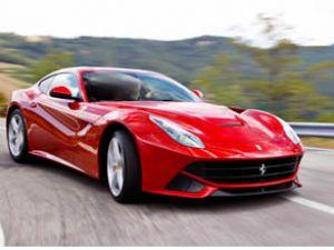 """Ferrari'ye """"3. Kez Yılın Performans Motoru"""" Ödülü"""