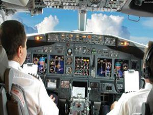 Mısır'da pilotlar iş yavaşlatma eylemi yaptı