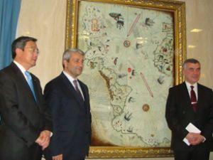 Piri Reis Haritası, IMO duvarına asıldı