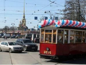Gezi tramvayı Peterburg'a geri döndü