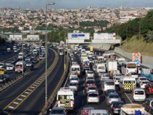 Haliç Köprüsü'nde çalışma trafiği felç etti