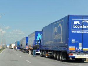 Bulgaristan'dan ağır araçlara tatil yasağı