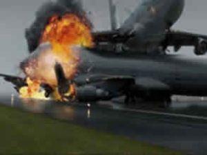 ABD'de yolcu uçağı düştü