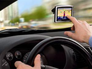 Pahalı benzine TomTom navigasyon çözümü