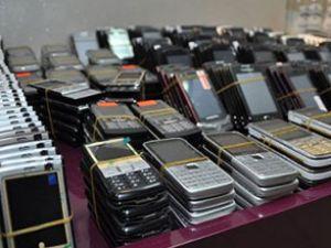 AHL'de 10 bin kaçak telefon ele geçirildi