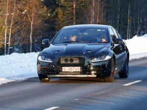 Jaguar XS  fotoğrafçılardan kaçamadı