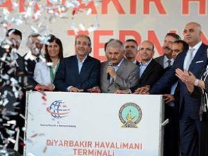 Diyarbakır Havalimanı terminali açıldı