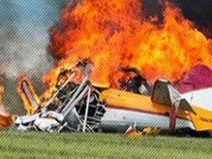 İsrail'de küçük bir yolcu uçağı düştü