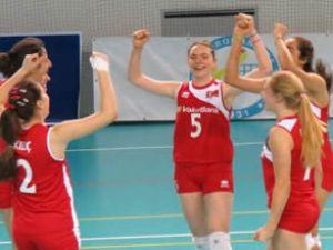 2013 Küçük Kızlar Balkan şampiyonu oldu