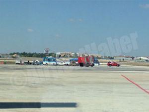 Atatürk Havalimanı apronunda araç yandı